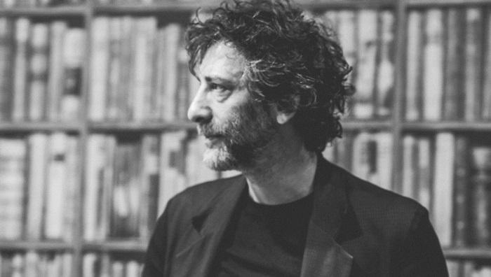 Neil-Gaiman-Books-1024x683